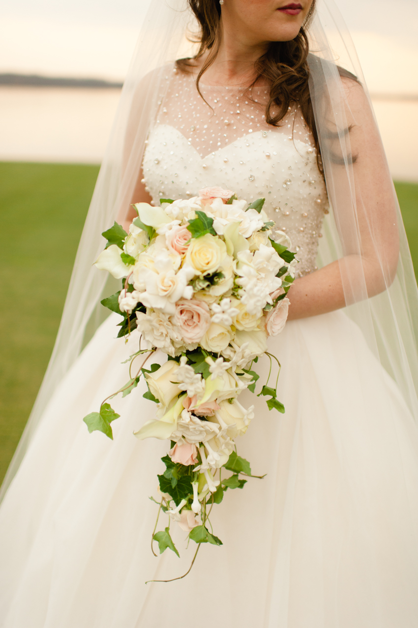 cascading bouquet Spindle Photography